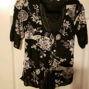 NWT~Simply Irresistible~Black Floral Knit PS S/S
